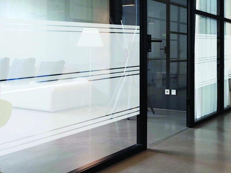 מדבקת קיר   מדבקה לזכוכית   חלבית פסים עבים