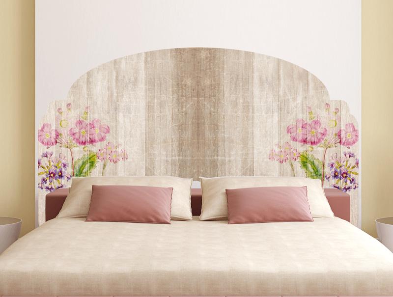 מדבקת קיר | מדבקת ראש מיטה בעיצוב של טקסטורת עץ עם פרחים